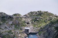 Un pont au deversoir du lac de Lassiedouat