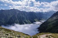 La vallee du Gave d'Arrens toujours dans les nuages