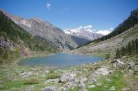 Le lac de Suyen, au fond, le Grand Gabizos