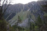 Le Mont Maou et le chemin menant au Port de la Peyre St Martin