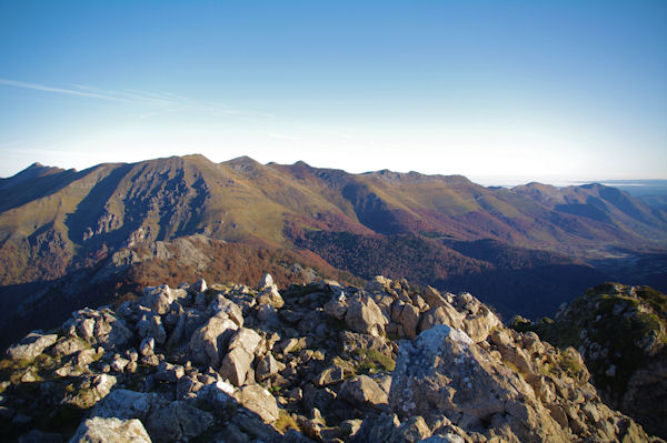 Les crêtes dominant la vallée du Bergons, du Pic d_Estibete au Pic de Pibeste