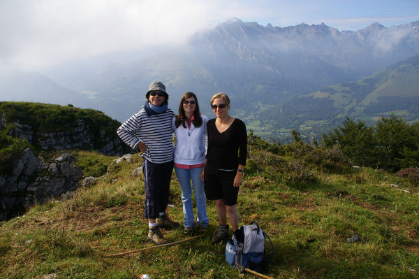 Camille, Marinou et Marie Françoise au pic de Berbeillet