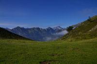 La vallee du gave d'Arrens depuis le col de Berbeillet