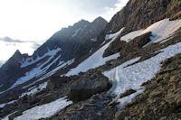 Quleques neves en montant vers la cascade du Taillon