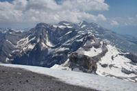 Vue à l_Est depuis le sommet du Taillon, le cirque de Gavarnie, Mont Perdu....
