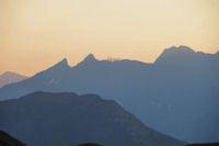 Au loin, le Pic du Midi de Bigorre
