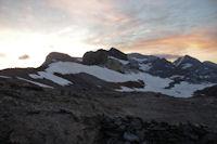 Epaule, Pics de la Cascade, Pic et Cylindre du Marboré et Mont Perdu