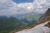 La vallee des Pouey Aspe encadree par le Pic de la Pahule et le Pimene