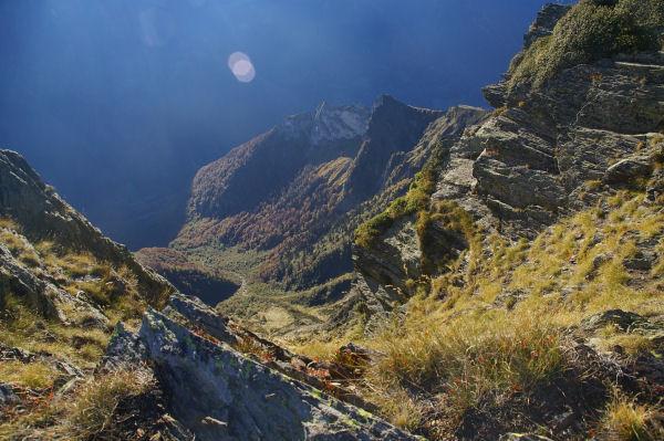 Les abruts du vallon d&#39Arrouyes depuis la crête menant au Pic du Cabaliros