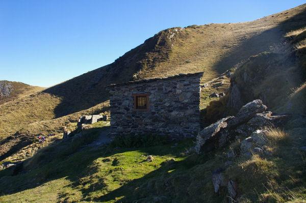 Une cabane d&#39estive sous le Malinat (non notée sur la carte IGN 1/25000...)