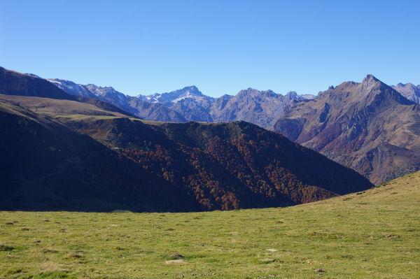 Au centre, le Balaïtous et à droite, le Pic du Midi d&#39Arrens