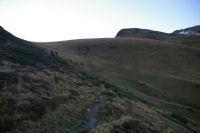 Le chemin bien trace montant au Pic du Cabaliros depuis les flancs du Pic Arraille
