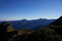 Le Pic du Midi de Bigorre au centre et du Pic de Montaigu a gauche depuis la crete menant au Pic du Cabaliros