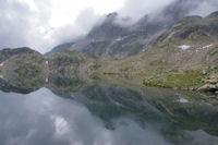 Reflets sur le grand Lac de Cambales
