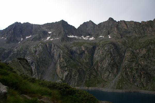 Le Turon de Néouvielle & le pic des 3 Conseillés & le pic de Néouvielle et le Ramougn au dessus du lac de Cap de Long