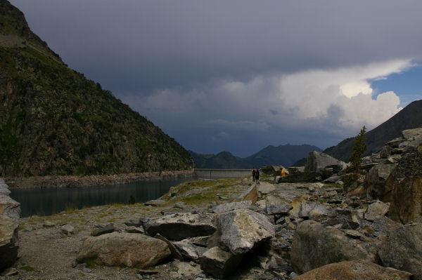 Le barrage de Cap de Long en vue