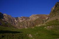 Les cretes de Cintes Blanques fermant la vallee d&#39Estaragne