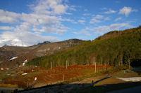 Au centre, le Pic de Berbeillet et le Soum de Berducou depuis le parking du Col de la Couraduque