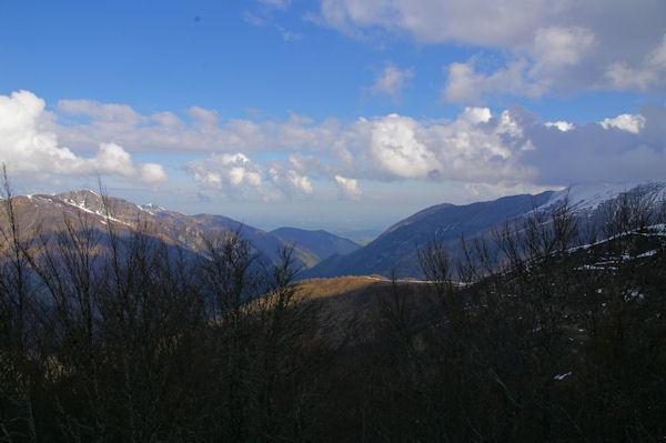 La vallée de Ferrière et plus loin, la plaine de Pau