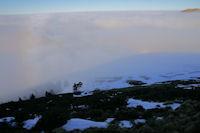 Ombre portee du Cap Nestes sur la mer de nuages