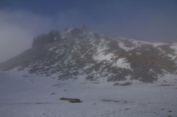 Un sommet se dégage près du Col de Nestès