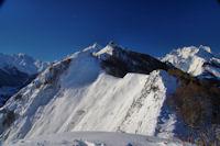 Le Pic Arrouy et le Pic du Midi d'Arrens, derriere, le Pic de Maleshores et les Gabizos