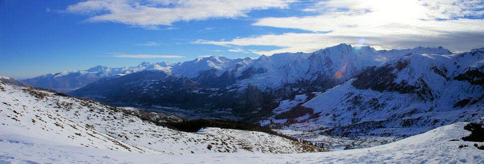 Vue vers le Val d&#39Azun et le Pic du Midi d&#39Arrens