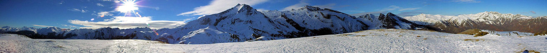 Panorama au Cap d&#39Aout, au centre Le Petit Gabizos et le Pic de la Latte de Bazen
