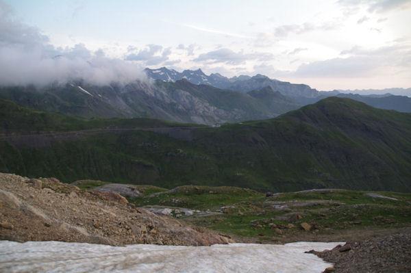 La vallée des Pouey Aspé dominée par le Pic de Tentes