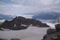 Le Pic des Sarradets et la vallee du Gave de Gavarnie sous les nuages