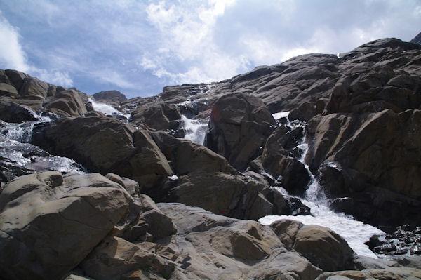 La cascade du glacier du Taillon