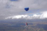 Ouverture du parachute pour Fred