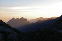 Premiers rayons de soleil sur la crete du Pic du Midi d'Arrens
