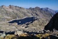 Le Lac de Migouelou, au fond, le Grand Gabizos