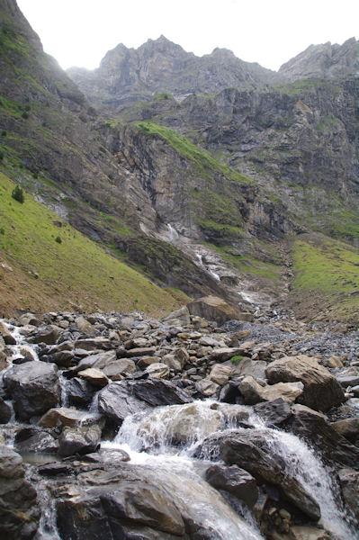 Le torrent descendant du Glacier Ouest du Marboré