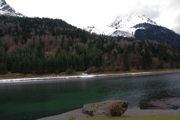 Le Lac d_Estaing depuis l_Oule