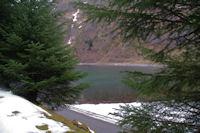 Le Lac d'Estaing depuis le bois d'Estagnet