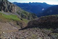 En s'elevant sous la crete Nord du Pic d'Estaragne