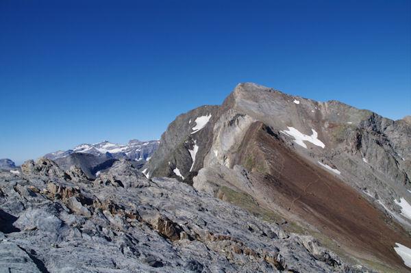 Le Pic de Campbieil, à gauche, leMont Perdu et et Cylindre du Marboré