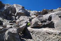 La cheminee permettant de passer la barre rocheuse pour acceder au Pic d'Estaragne