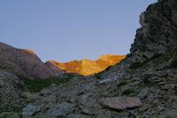 Le Pic d'Estaragne deja dans le soleil