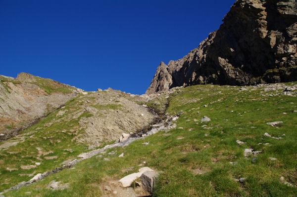 Le verrou à franchir pour accéder au pied du col d_Estaragne