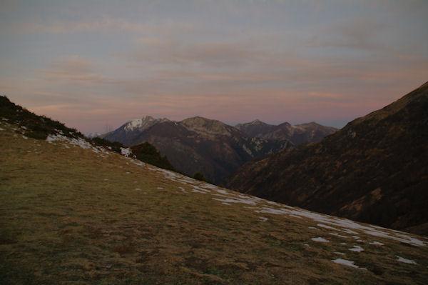 Moulle de la Jaut enneigée et Pic Mondragon depuis le Col d_Ansa