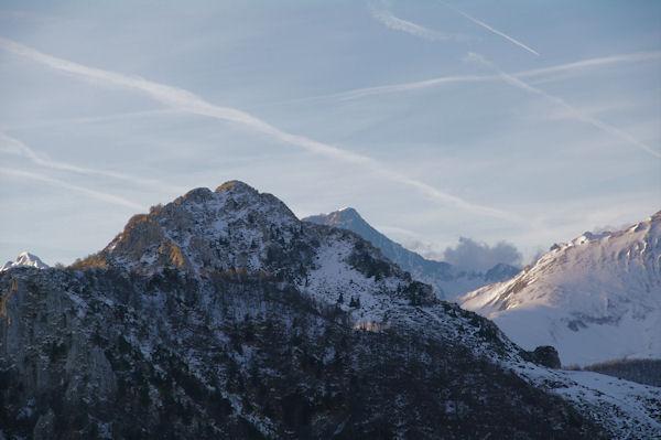 Pic de Navaillo et Pic de Bazès, derrière, le Balaïtous pointe le bout de son nez
