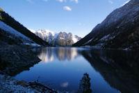 Le Lac du Gaube, au fond, le Soum de Porcabarra et le Tuc d'Auribareille
