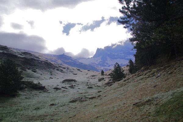 Le Plateau de Pailla, on devine en haut le refuge des Espuguettes