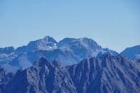 Le Pic de Néouvielle, le Pic des Trois Conseillers et le Turon de Néouvielle depuis le Grand Barbat