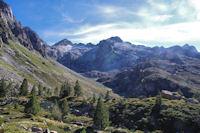 Le vallon du ruisseau du Pic Arrouy, le Pic de Bernat Barrau au fond