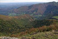 Le vallon du ruisseau de Trebussan, au fond, Gazost dans la Vallee du Neez