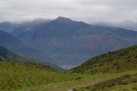 Le vallon d'Estibos, en bas, Pierrefitte - Nestalas, au fond, le Pic du Cabaliros